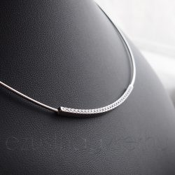 Félmerev ezüst nyaklánc cikrónia köves betéttel