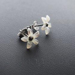 Gyöngyház kis virág füli 1