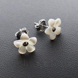 Gyöngyház kis virág füli 2