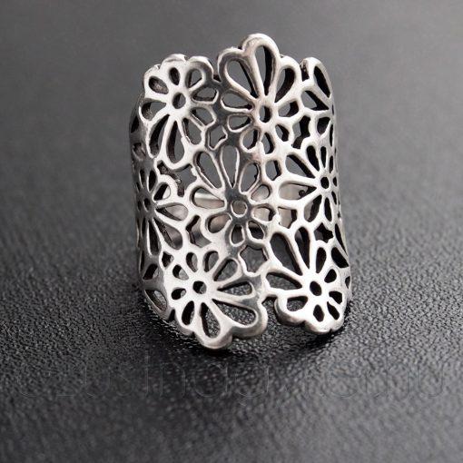 Áttört mintás gyűrű virágos