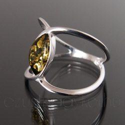 Borostyán ezüst gyűrű ívelt -  zöld