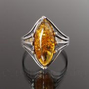 Borostyán ezüst gyűrű - 8 karmos