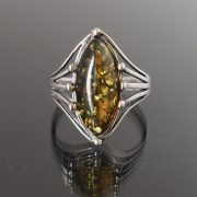Borostyán ezüst gyűrű - 8 karmos zöld