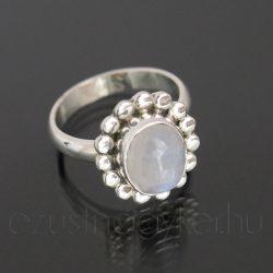 Holdkő ezüst gyűrű kis virág