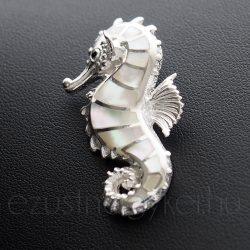 Göngyház csikóhal medál