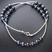 Ezüst betétes szürke-kék gyöngysor