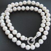 Fehér édesvízi tenyésztett gyöngysor  díszes, cirkónia  köves zárszerkezettel