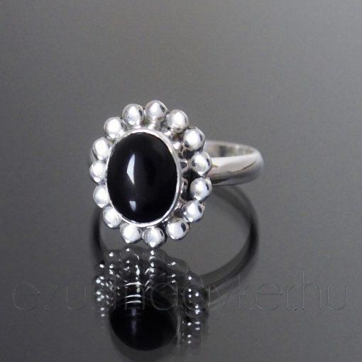 Ónix köves ezüst gyűrű virág