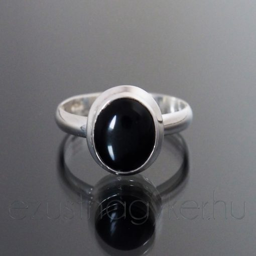 Ónix köves ezüst gyűrű kisovál