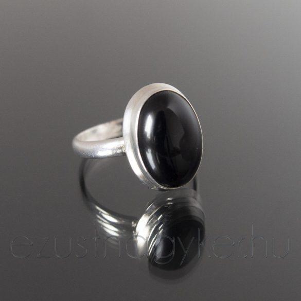 Ónix köves ezüst gyűrű ovál