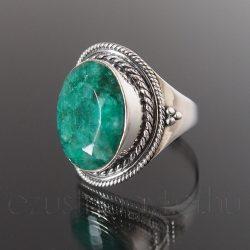 Smaragd ezüst gyűrű díszes foglalattal
