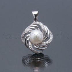 Tenyésztett gyöngy medál virág2