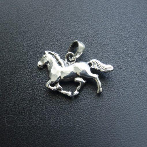 Vágtató Ló ezüst medál
