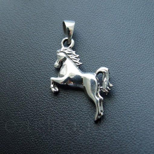 Ugrató Ló ezüst medál