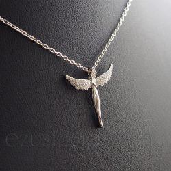 Széttárt szárnyú Angyal, nyakláncon