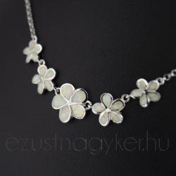 Opál nyakék virágos fehér 2