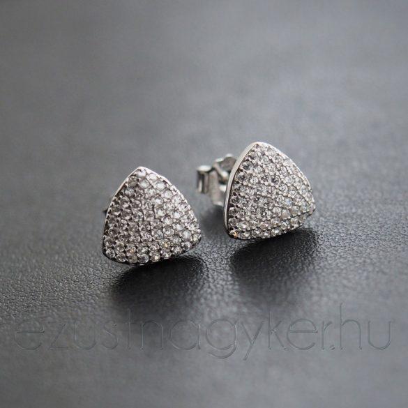 Ezüst háromszög fülbevaló
