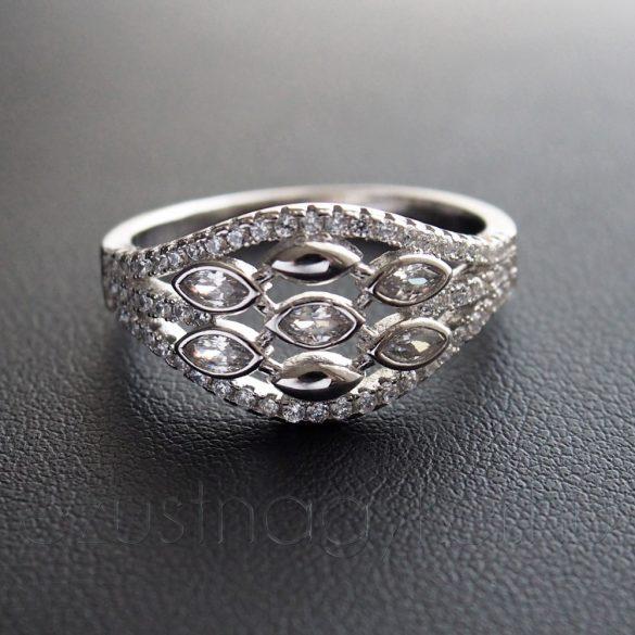Cirkónia köves ezüst gyűrű 3 ágon 5 köves