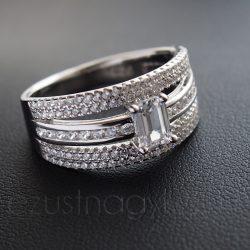 Cirkónia köves ezüst gyűrű 3 ág négyzetes kővel