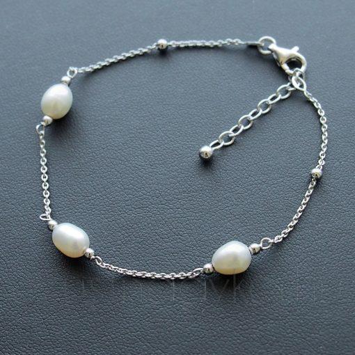 Bogyós ezüst karkőtő tenyésztett gyöngyökkel